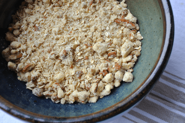 The Crumble topping is made with oats, nuts, butter and maple syrup!