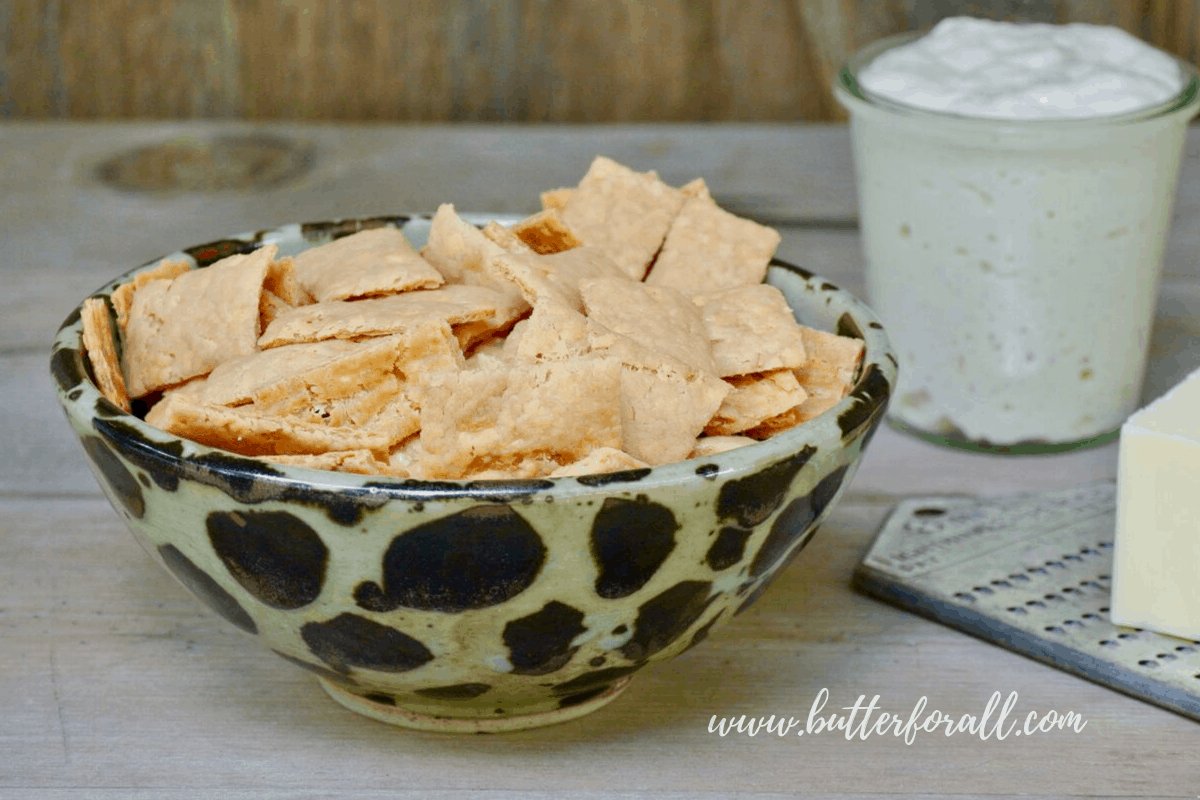 Sourdough Discard Cheddar Crackers – Super Easy and Cheesy!