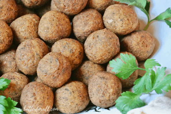 A close-up of fried falafel balls.