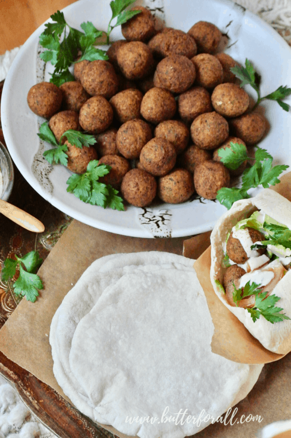 A bowl of fried falafel balls.